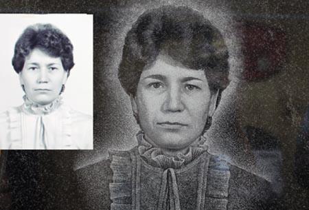 Портрет женский на гранитном памятнике