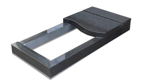 Цветник прямоугольный гранитный с надгробной укороченной плитой