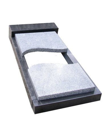 надгробная плита из двух частей из мансуровского гранита