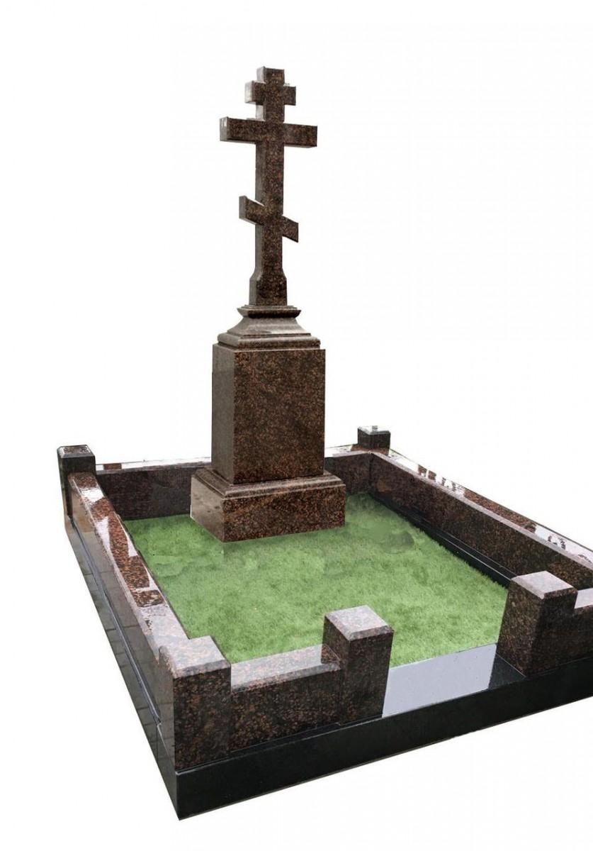 Мемориальный комплекс с крестом  на голгофе из Дымовского гранита